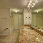 Westcreek, River Oaks, Downtown, Houston, Apartments, Bathroom